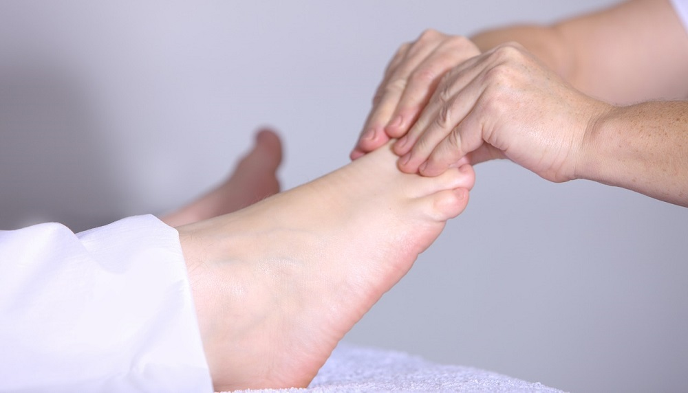 Foot and toe massage